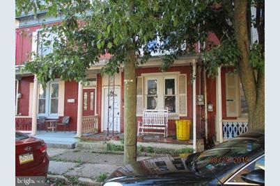 220 W Union Street - Photo 1