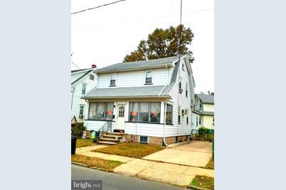 821 Hudson Street - Photo 1