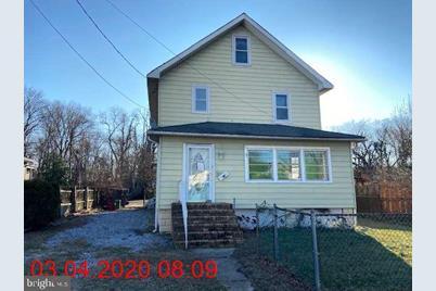 1055 Milton Avenue - Photo 1