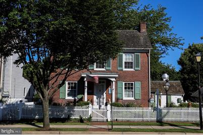 412 Main Street - Photo 1