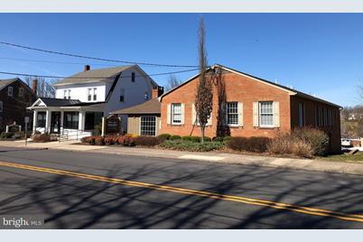 307 E Broad Street - Photo 1