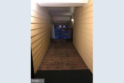 212 Stockton Court - Photo 1