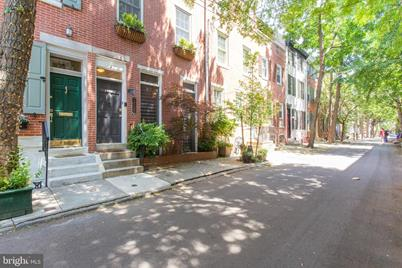 1737 Addison Street - Photo 1