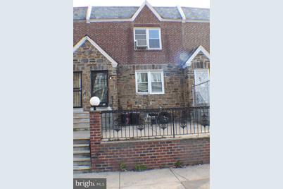 5227 N Hutchinson Street - Photo 1