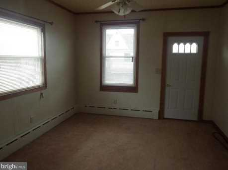220 East Ave - Photo 2