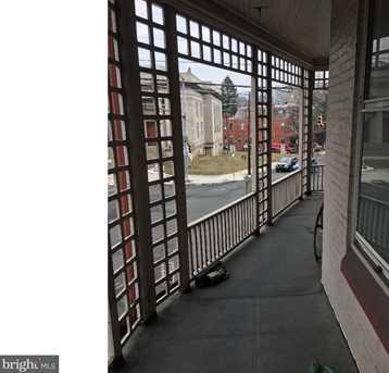 540 Centre Ave - Photo 4