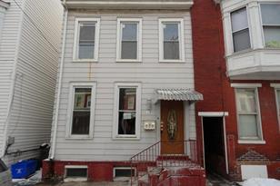 636 W King Street - Photo 1
