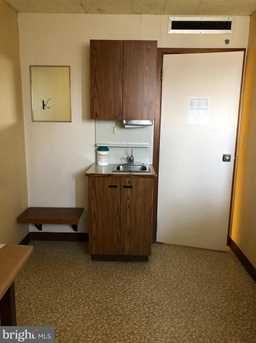 1035 Wayne Ave #SUITE C - Photo 18