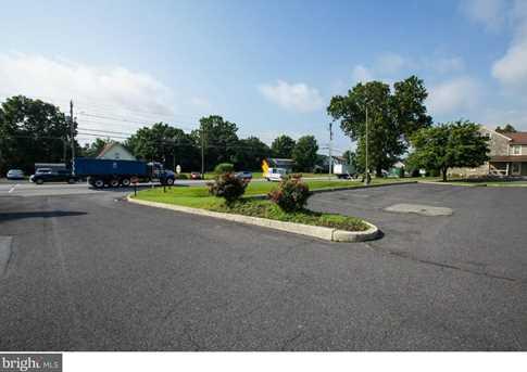 8537 Allentown Pike - Photo 6