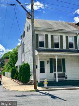 1542 Walnut Street - Photo 1