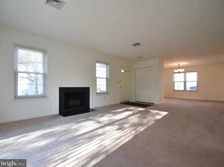 204 Coventry Ct - Photo 6