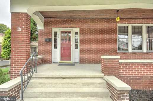 503 W Middle Street - Photo 1