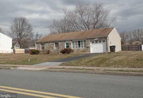 303 Maplewood Drive - Photo 8