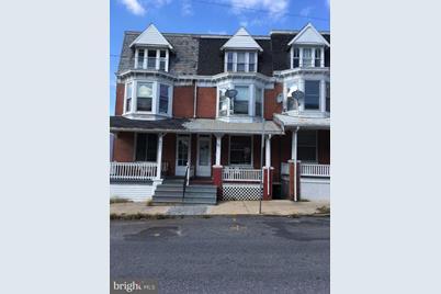 921 W Princess Street - Photo 1