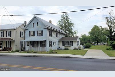 205 E Pine Street - Photo 1