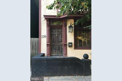 126 Verbeke Street - Photo 1