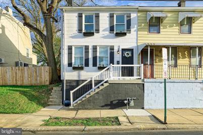 806 E Chestnut Street - Photo 1