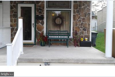 216 Lombard Street - Photo 1