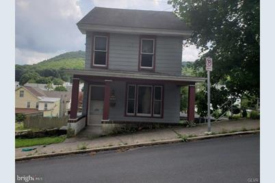 208 W Spruce Street - Photo 1