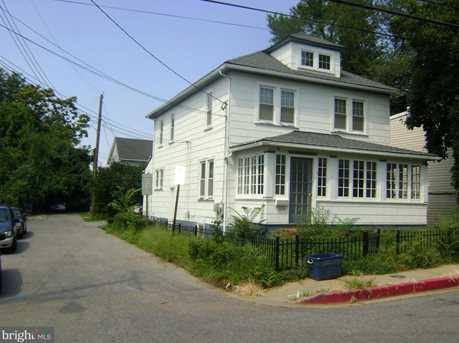 104 Clay Street - Photo 2