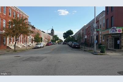 448 Patterson Park Avenue N - Photo 1