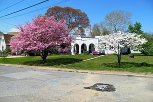 422 3rd Avenue SW - Photo 1