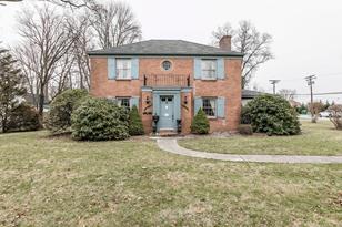 603 Hickory Avenue N - Photo 1