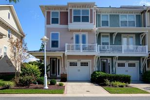 2826 Persimmon Place #B1 - Photo 1