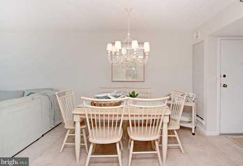 208 Farragut House - Photo 12