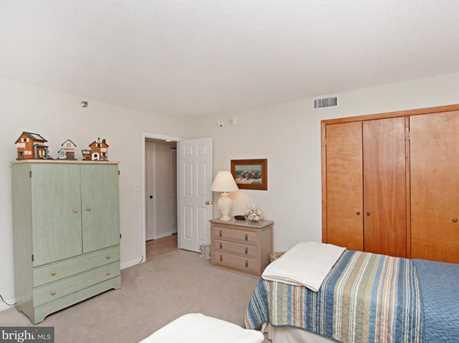 208 Farragut House - Photo 30