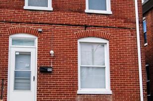 409 McDowell Avenue - Photo 1