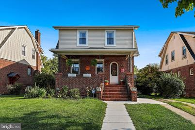 2714 E Northern Parkway - Photo 1