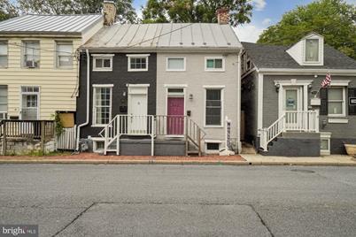465 W South Street - Photo 1