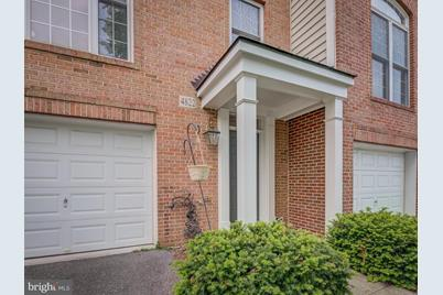 4822 Lee Hollow Place - Photo 1