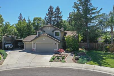 355 Holly Court - Photo 1