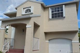 12034 NW 13th - Photo 1
