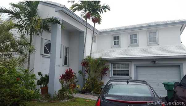 6131 SW 115th Ave - Photo 1