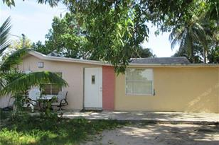 1270 NW 28th St - Photo 1
