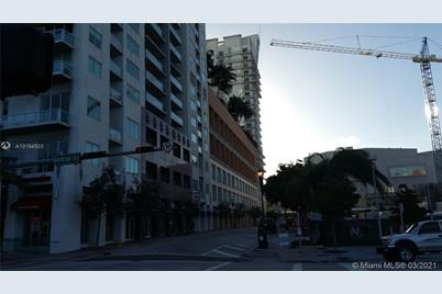 234 NE 3rd St #LPH07 - Photo 1