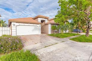 5020 SW 133rd Ave - Photo 1