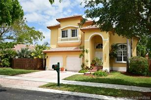11021 NW 58th Ter - Photo 1