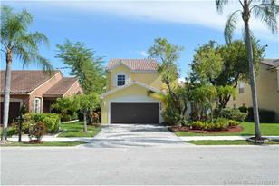 3740 NW 71st St - Photo 1