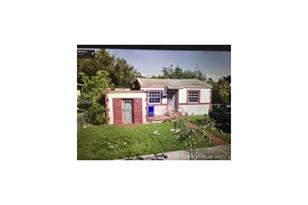 1735 NW 57 St - Photo 1