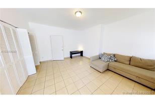 842 Meridian Ave #2G - Photo 1