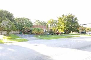 18341 SW 87th Ave - Photo 1
