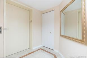 9595 Collins Ave #N9-G /907 - Photo 1