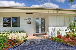 5810 SW 64th Ave - Photo 1