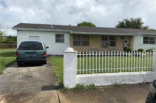 2971 NW 210th Ter - Photo 1