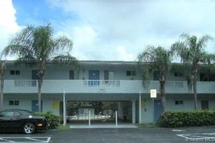 4271 NW 5th St #105 - Photo 1