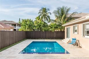 6346 NW 113th Ct - Photo 1